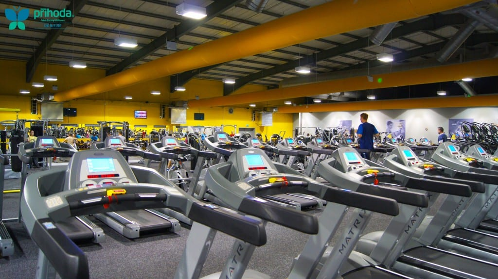 gym ventilation above running machines
