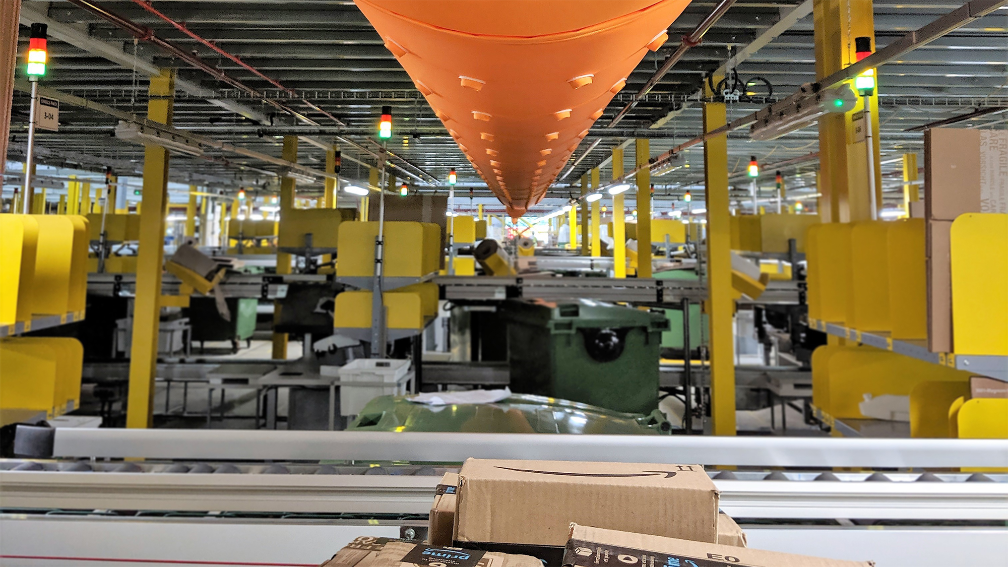 Prihoda fabric duct with nozzles at Amazon Rugby fulfilment centre