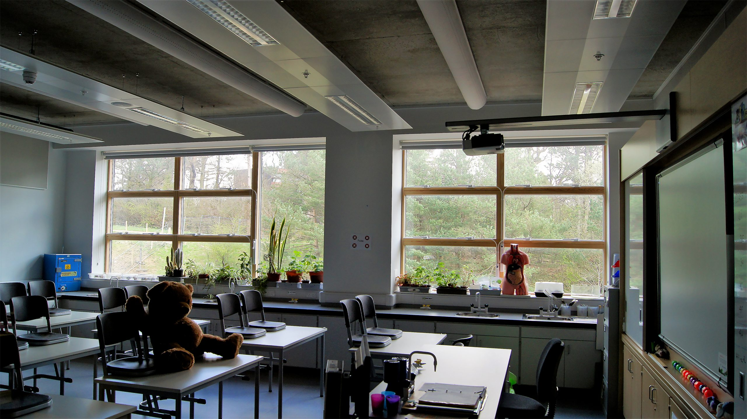 Science class with Prihoda fabric ducts at Eastwood High School